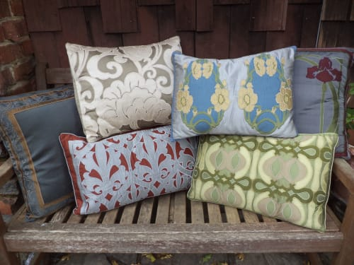 APPLIQUE ARTISTRY - Pillows and Rugs & Textiles