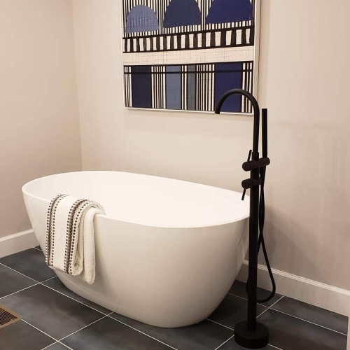 Interior Design by Nisha Tailor Interior Design seen at Private Residence, Creve Coeur - Master bathroom design