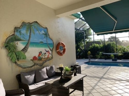 Murals by Art Turquoise Murals and faux finishes seen at Private Residence, Jupiter - Brocken Wall, beach fun mural