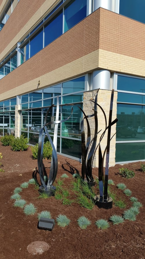 Public Sculptures by Abstract Metal Sculpture by Kishel seen at Norfolk, Norfolk - Reaching for Excellence