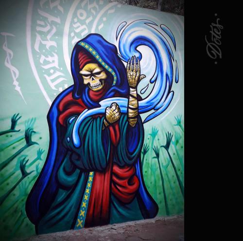 Murals by Dotes seen at San Nicolás Tolentino, Ciudad de México - Too Late