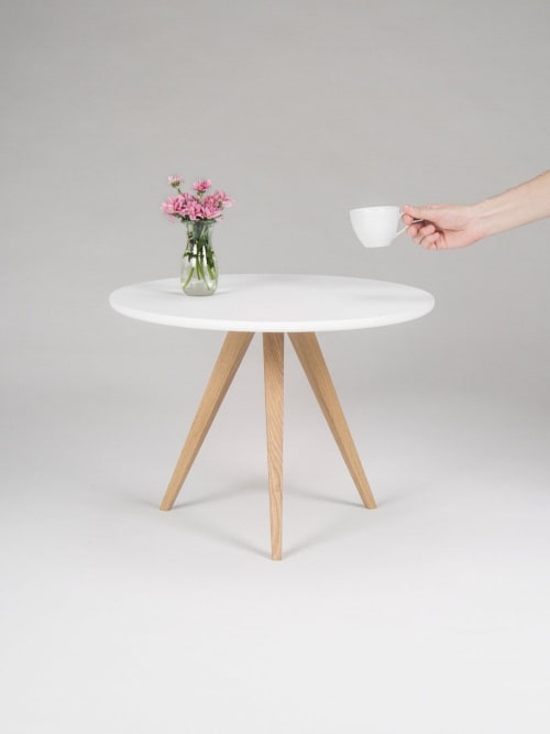 White round coffee table, with solid oak legs, scandinavian | Tables by Mo Woodwork | Stalowa Wola in Stalowa Wola