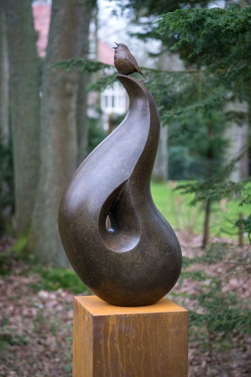 Sculptures by Anthony Smith Sculpture seen at Private Residence - The Robin's Perch