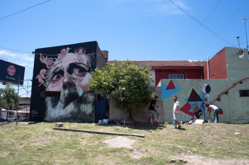 Street Murals by Juan iesari seen at Isla Maciel, Dock Sud - Pinto la isla