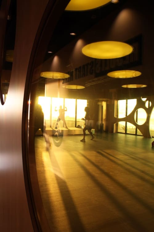 Interior Design by Diego Alonso Designs seen at ANFAPLACE MALL, Casablanca - Passage Fitness - Luxurious sport club