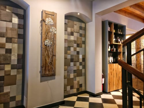 Public Mosaics by Rossella Casadio seen at Maltraversi, Arzignano - Tre Meduse (Three Jellyfish)