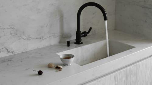Water Fixtures by Waterworks seen at Private Residence, Paris, Paris - Water Fixtures