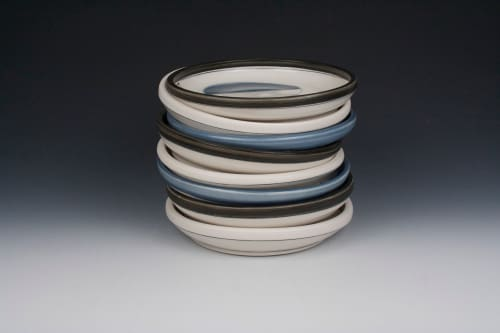 Ceramic Plates by Amy Halko Ceramics seen at Private Residence, Palo Alto - Plate set.