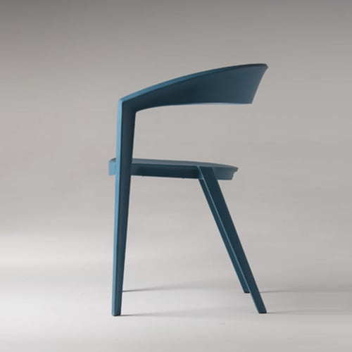 Chairs by Guto Indio da Costa seen at Shopping Leblon, Leblon - ICZero1 chair