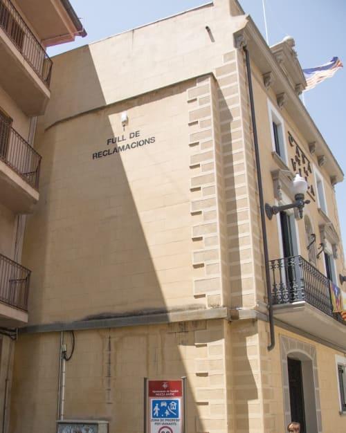 Street Murals by Octavi Serra seen at Festus - Festival d'Arts de Carrer de Torelló, Torelló - Claims sheet