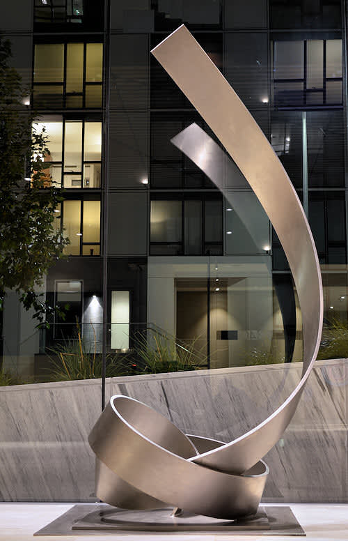 Knot 58SF | Sculptures by Damon Art | 340 Fremont Apartments in San Francisco