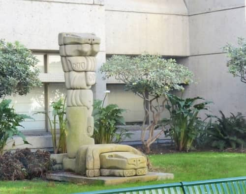 Sculptures by Mary Fuller seen at Zuckerberg San Francisco General Hospital and Trauma Center, San Francisco - Dos Leones