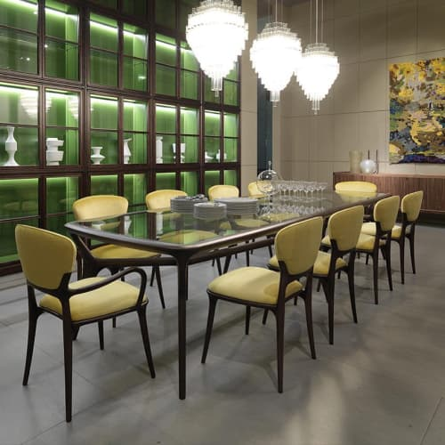 Tables by Roberto Lazzeroni seen at Private Residence - Seven Miles table & Teresa / Braccioli chair