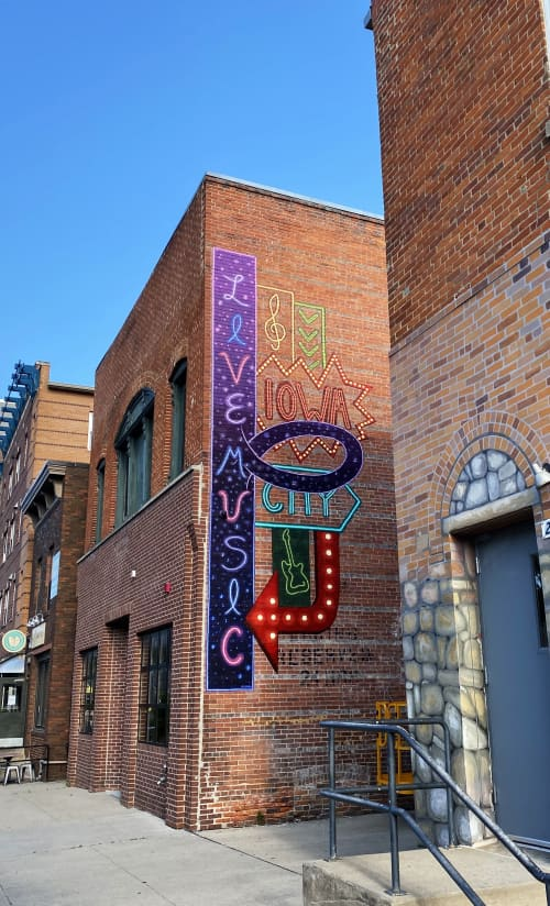 """Elray's """"Live Music"""" Sign Mural   Murals by Ali Hval   Elray's Live and Dive in Iowa City"""