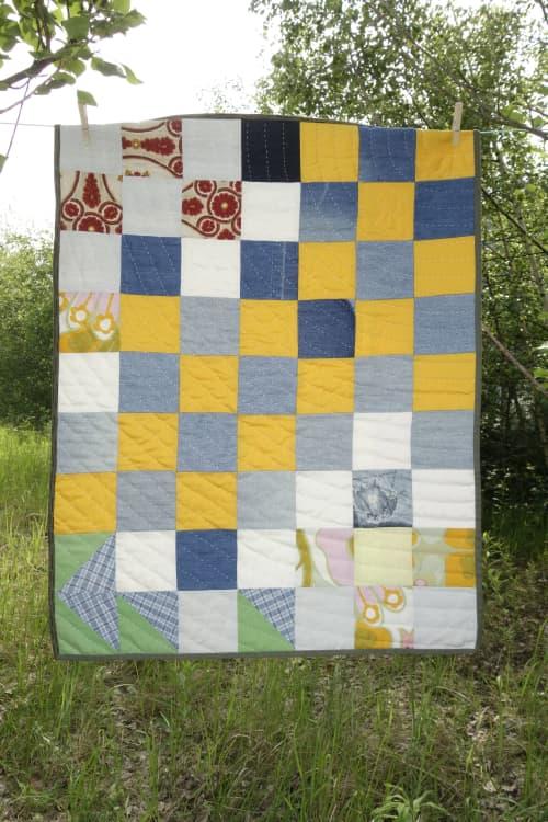 small yellow blue Babyquilt   Linens & Bedding by DaWitt