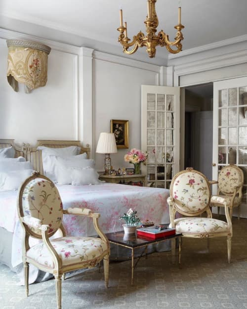 Chairs by Chelsea Textiles seen at Private Residence, New York - AURICULA & ROSES