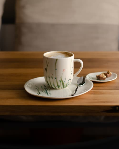 Mugs Meadow, with and without handle | Cups by Boya Porcelain | Poslastičarnica Šuma in Beograd