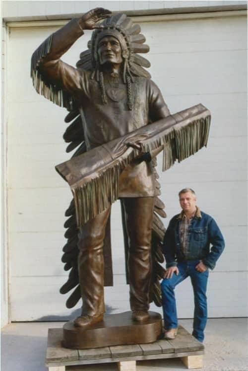"""Sitting Eagle"" (John Hunter – Irhe Wapta) | Public Sculptures by Don Begg / Studio West Bronze Foundry & Art Gallery"