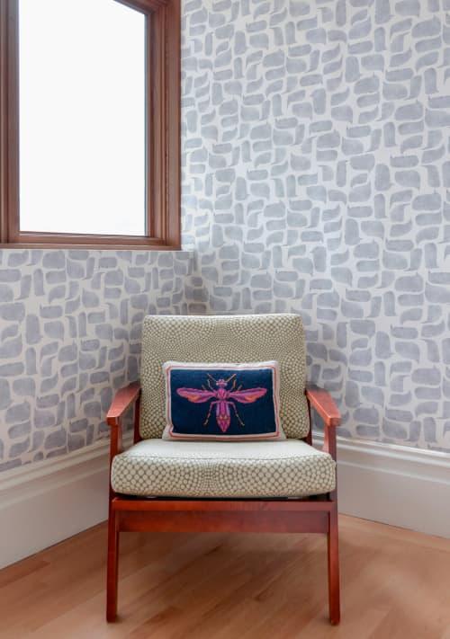 Wallpaper by Metolius - Metolius Chatty Pale Grey Wallpaper