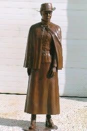 WWI Nursing Sister | Public Sculptures by Don Begg / Studio West Bronze Foundry & Art Gallery