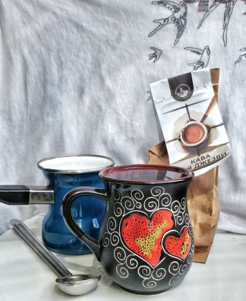 """Cups by Cupscho seen at Private Residence, Kharkiv - Pottery coffee mug with """"Black Hearts"""" ornament 9.5 fl oz"""