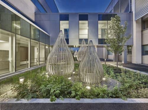 Public Sculptures by Linda Covit seen at Maisonneuve-Rosemont Hospital, Montréal - Raindrops
