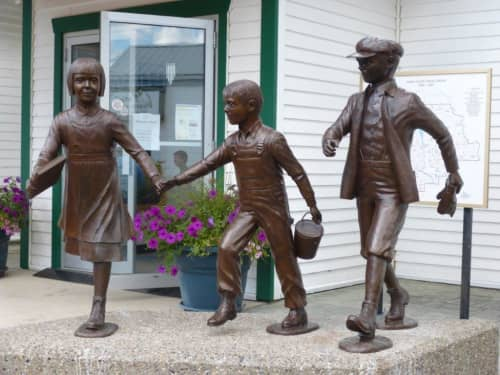 School's Out | Public Sculptures by Don Begg / Studio West Bronze Foundry & Art Gallery