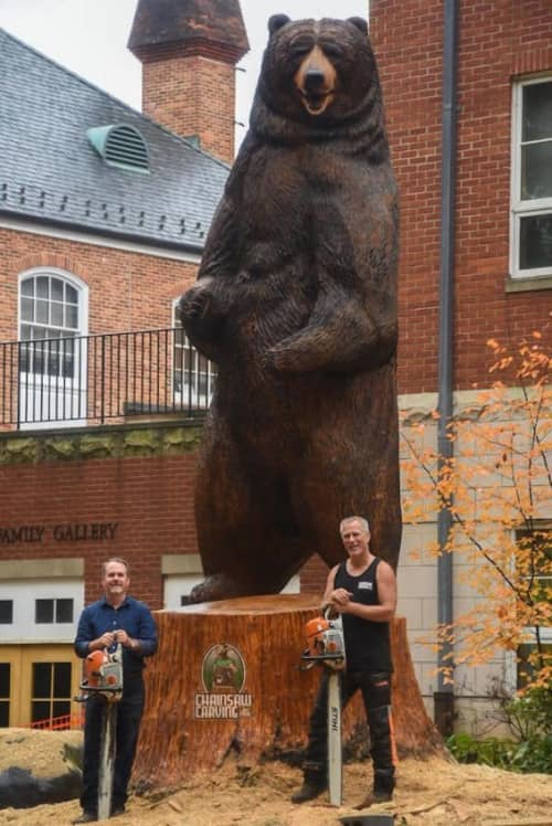 Sculptures by Paul Waclo at Landon School, Bethesda - Kodiak Bear
