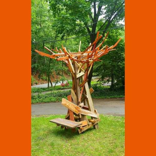 Sculptures by JOSE ANTONIO ARVELO seen at Private Residence, Atlantic Highlands - BUCARE