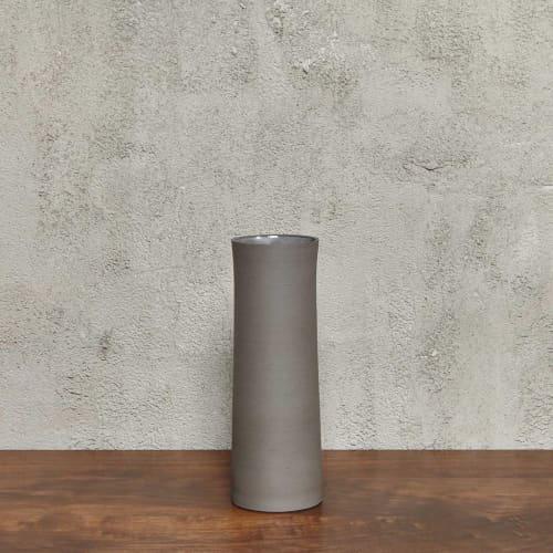 Vases & Vessels by Luke Eastop seen at Blue Mountain School, London - Black Large Quadratic Vessel