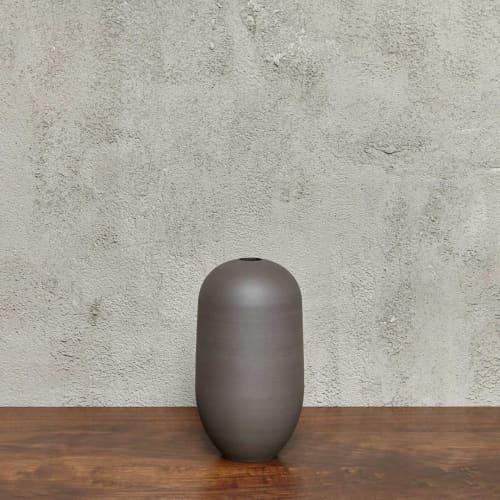 Vases & Vessels by Luke Eastop seen at Blue Mountain School, London - Black Large Rounded Vessel