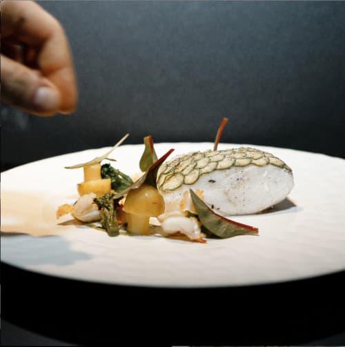 Texture plate Crocodilo | Ceramic Plates by Mieke Cuppen | L'Atelier de Joël Robuchon in Paris