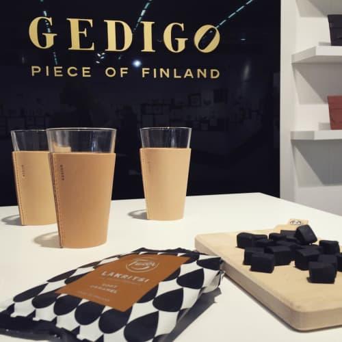 Gedigo - Benches & Ottomans and Art