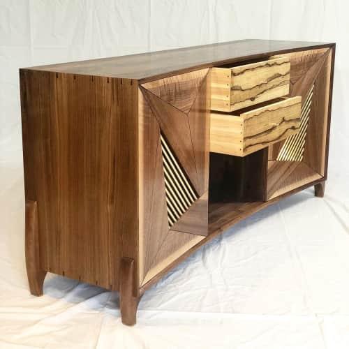 Mako Woods - Furniture and Art