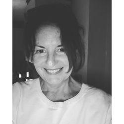Eleanor McKnight