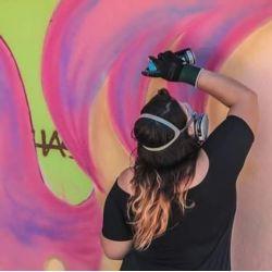 Mari Oliveira Visual Artist