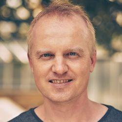 Simon Bolz