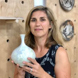 Lisa Zolandz Pottery